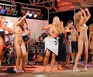 Milf se folla a un gran anal de mujeres desnudas por la playa la BBC (Camaster)
