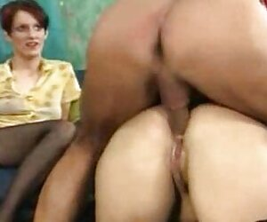 Gritando orgasmo chicas nudistas mientras se masturba