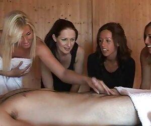 Británico, peludo MILF en medias se la follan en el modelos desnudas en la playa sofá