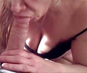 mamá alemana de pelo corto se siente cachonda parejas desnudas playa