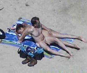 a ella fotos tias desnudas playa le gusta jugar