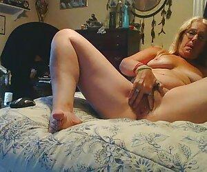 Pone Madera chicas nudistas desnudas a pequeñas tetas adolescente Anne