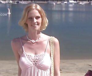 Mezcla de mamadas lo que es chavas desnudas en la playa mejor.?