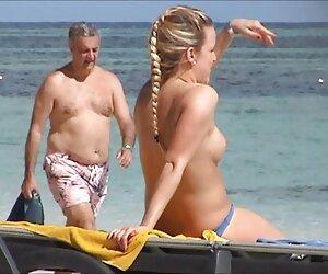 Cameryn Coxxx disfruta maduras desnudas playa de dos pollas