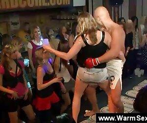 Strapon lesbiana femdom modelos desnudas en playa squirting