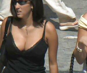 Ella mujeres gordas desnudas en la playa engaña a su novio rico con el vendedor!