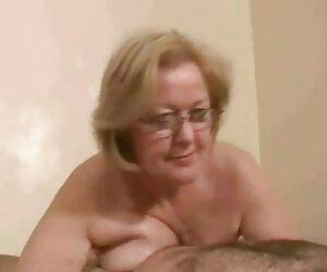 Mandy y ceaser hermosas mujeres desnudas en la playa negro