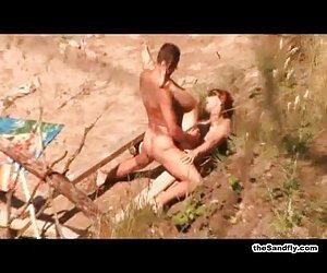Caliente interracial pareja reverse en cámara web desnudas mujeres en la playa