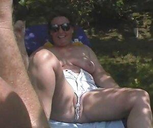 fantástica morena videos de mujeres desnudas en la playa