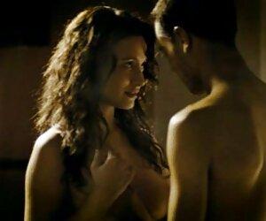 Tomar el sol mujeres nudistas desnudas Rikki gemidos placeres a sí misma