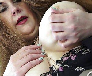 Ryan le da la cabeza a Marco Duato y recibe semen en la boca mujeres bellas desnudas en la playa