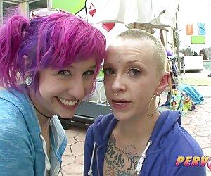 Viejos mujeres nudistas y jóvenes lesbianas R20